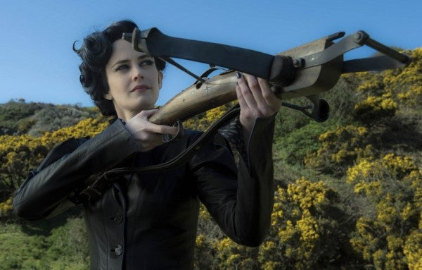 Every Miss Peregrine's Home for Peculiar Children Photo Is Terrifying Beyond Measure