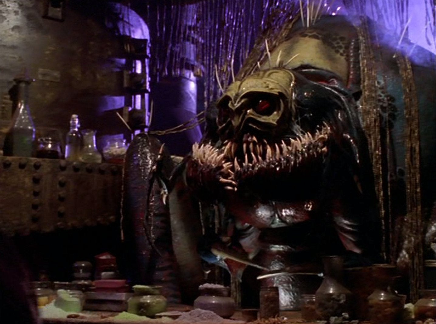 A Look Back At Farscape: Aliens, Puppets, And Criminals On The Run