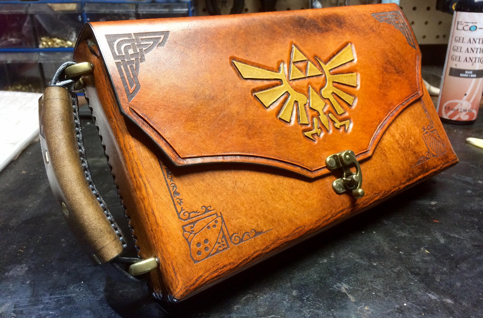 A Zelda-Themed Nintendo Switch Case To Rule Them All
