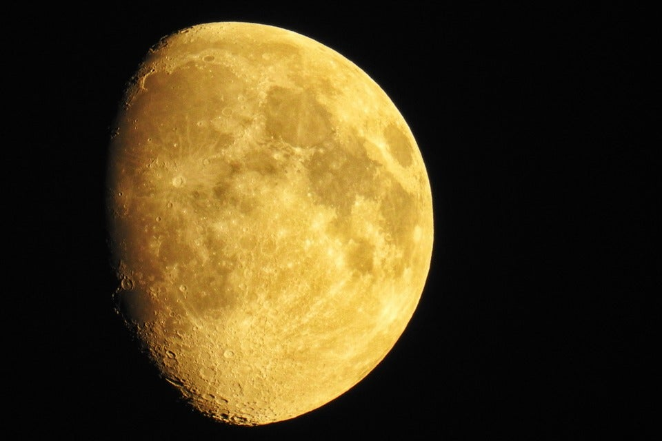 How to Take a Non-Crappy Picture of the Moon