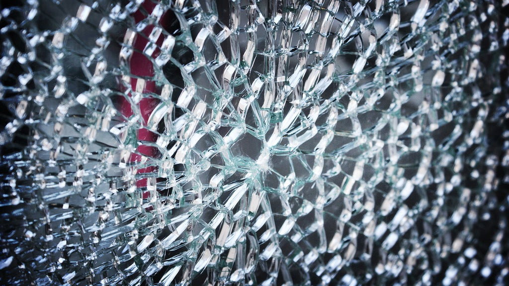 Scientists Reignite 30-Year-Old Debate About Glass With New Calculation