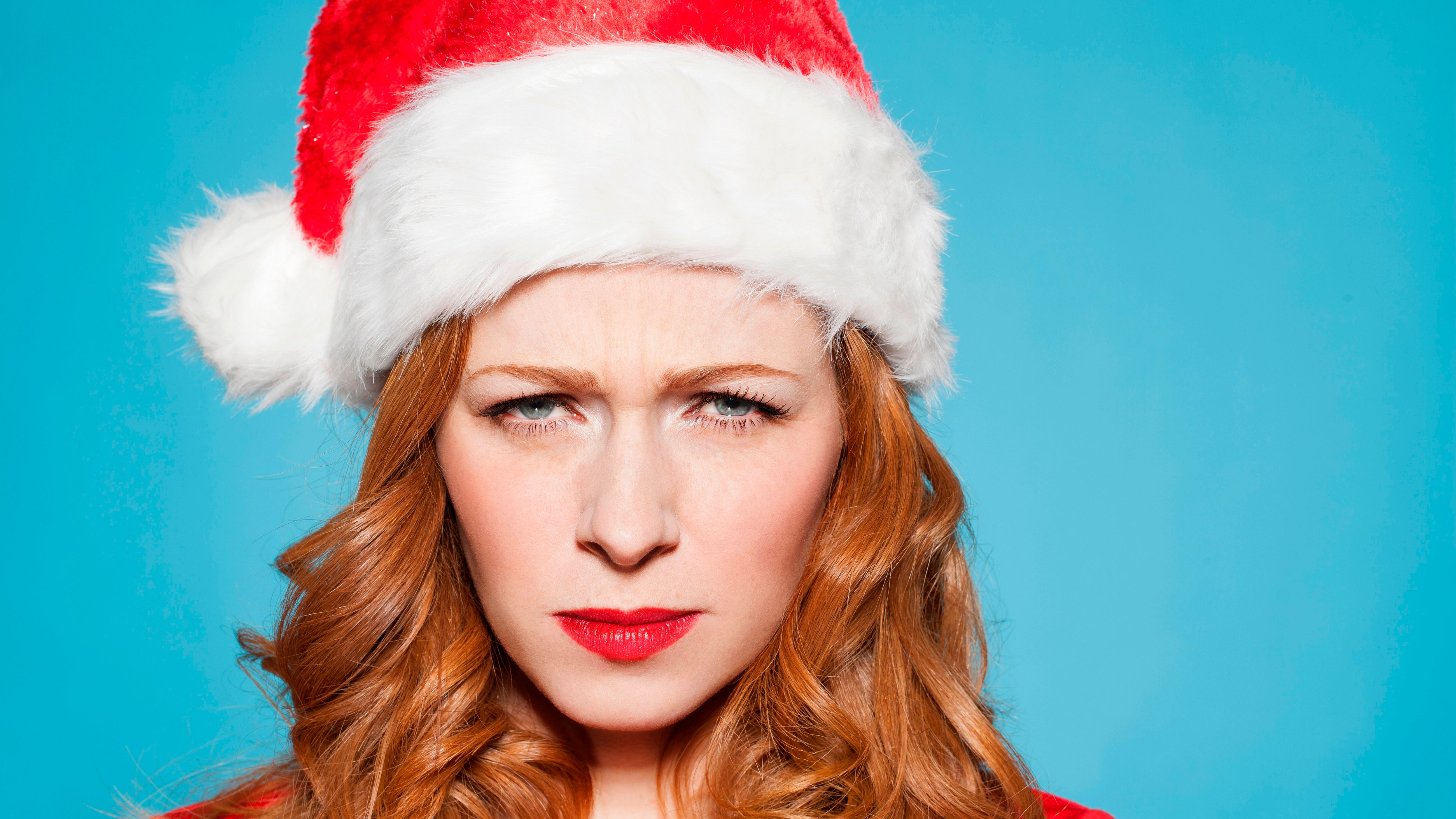 How Single People Can Avoid Going Broke Over The Holidays