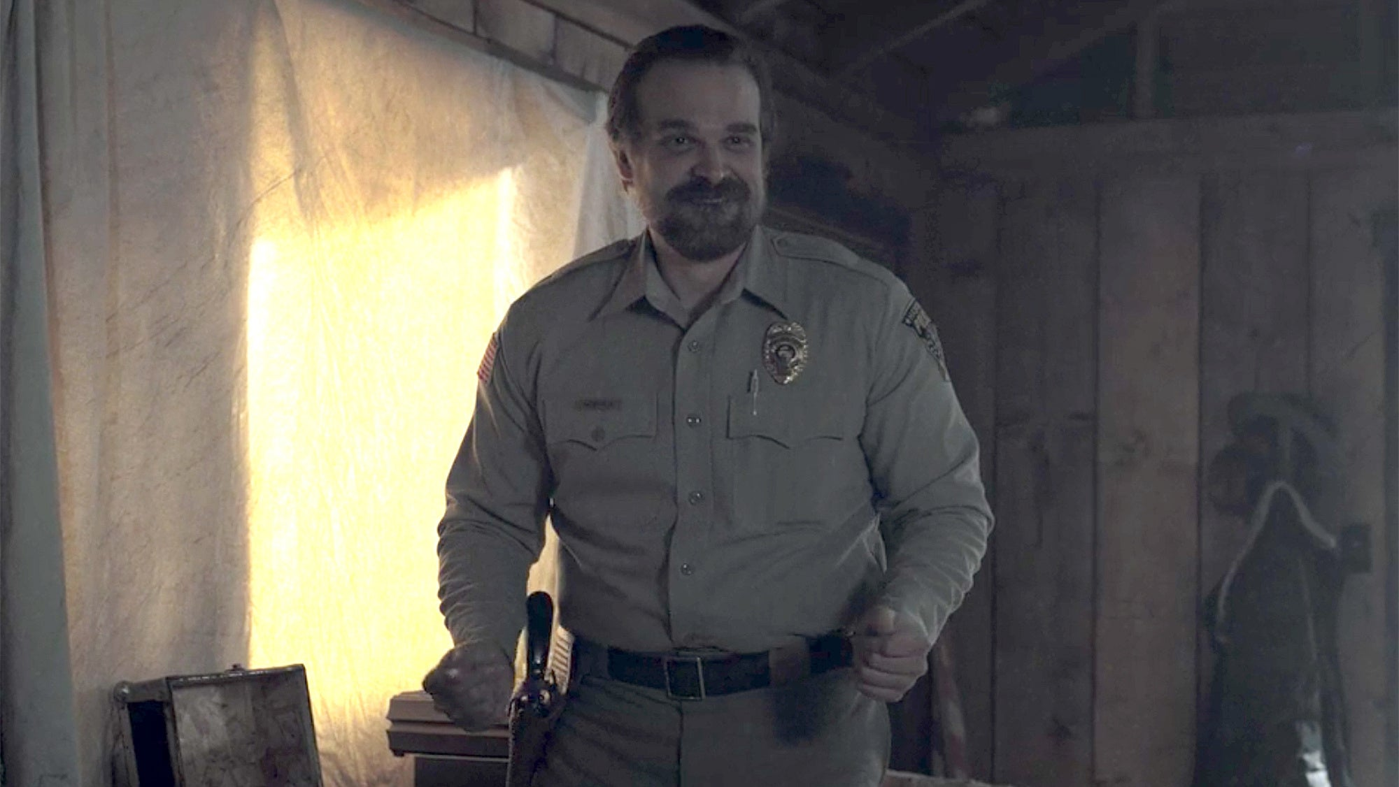 Merriam-Webster Just Used Stranger Things' David Harbour To Explain 'Dad Bod'