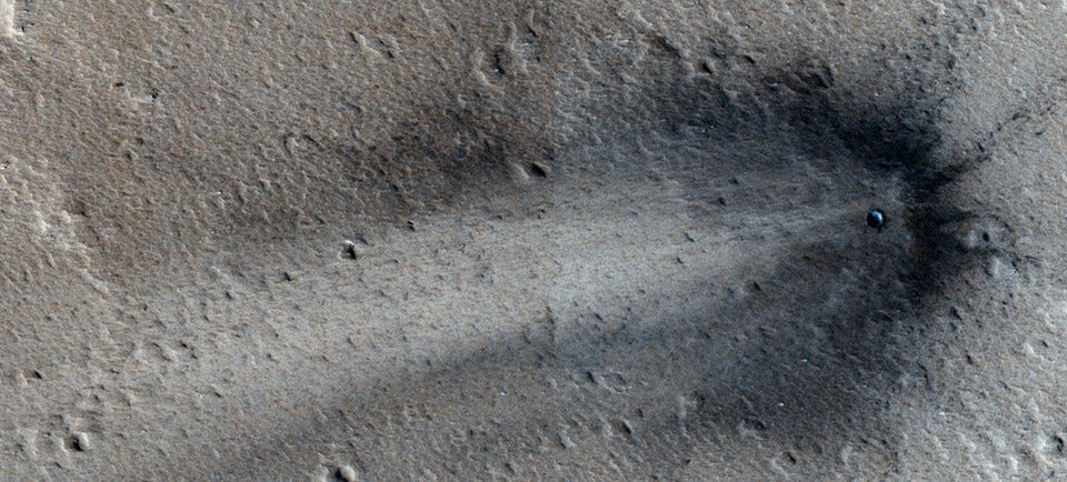 This Is a Fresh Scar on Mars's Surface
