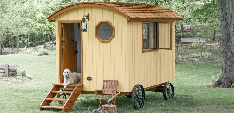 This Tiny Prefab Hut On Wheels Is Adorably Twee
