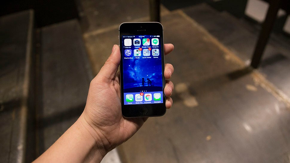 IPhone SE Review: The Phone That Proves Apple is Out of Ideas