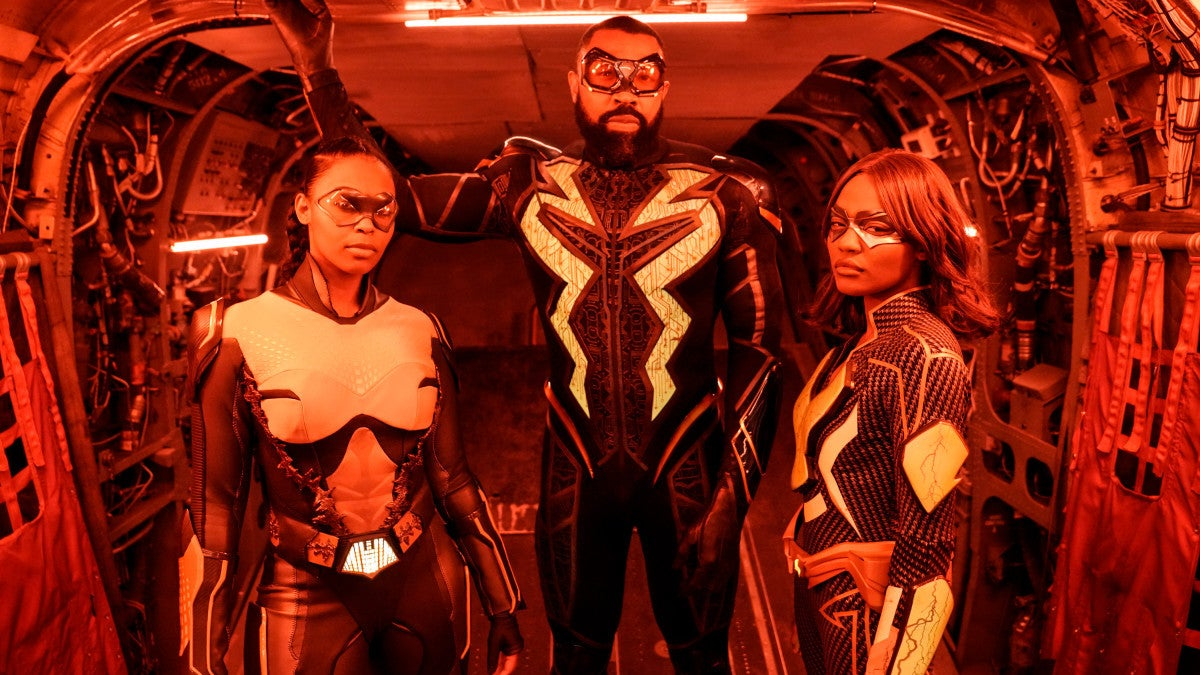 Black Lightning Has Been Slowly But Surely Putting Together DC's Outsiders