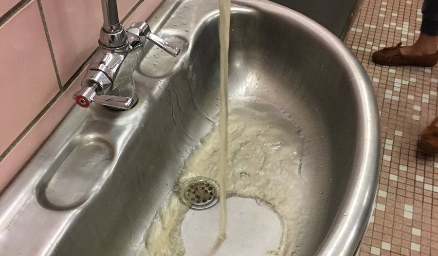 US Student Suspended For Posting Photo Of Nasty School Water Online