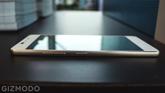 Vivo Air Hands On: A Crazy Thin, Crazy Light, Crazy Cheap Smartphone