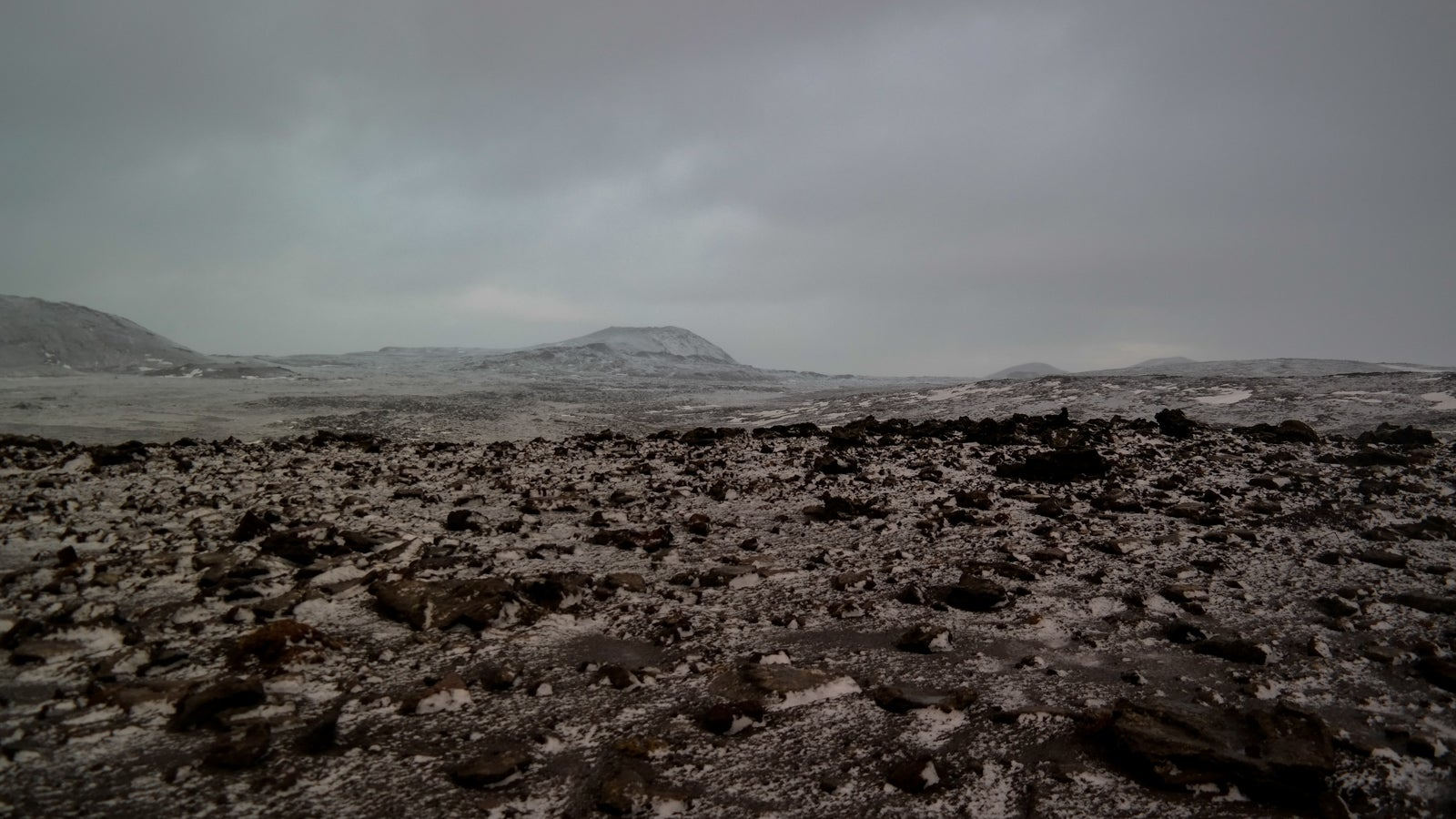 36 Hours of Glaciers and Steam in Iceland
