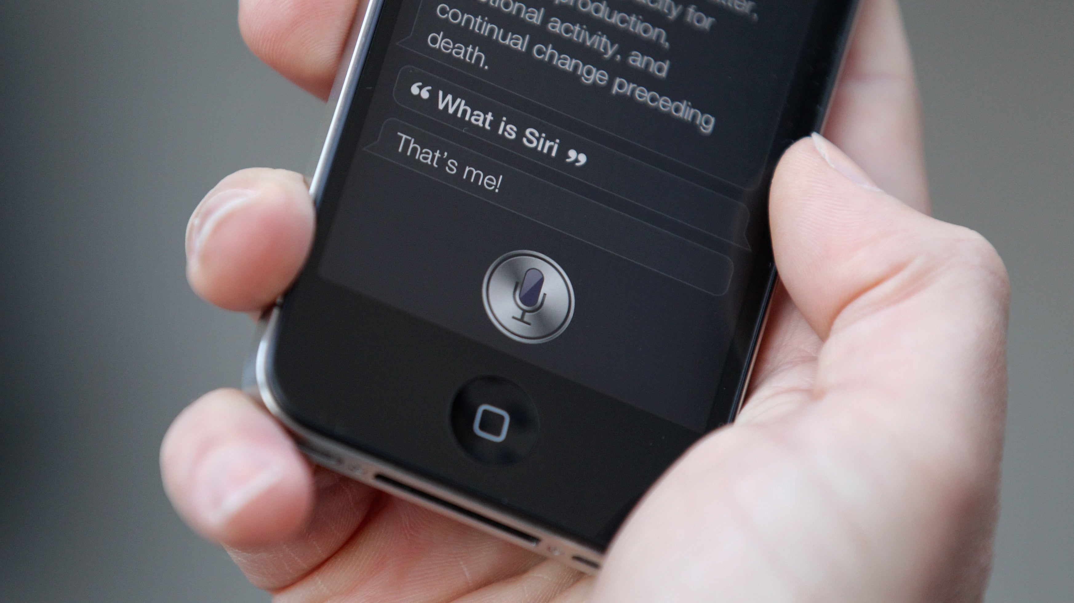 Apple Says Only In-House Employees Will Listen To Siri Recordings As 300 Contractors Are Reportedly Laid Off