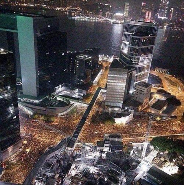 Amazing aerial photo of Hong Kong streets flooded with people