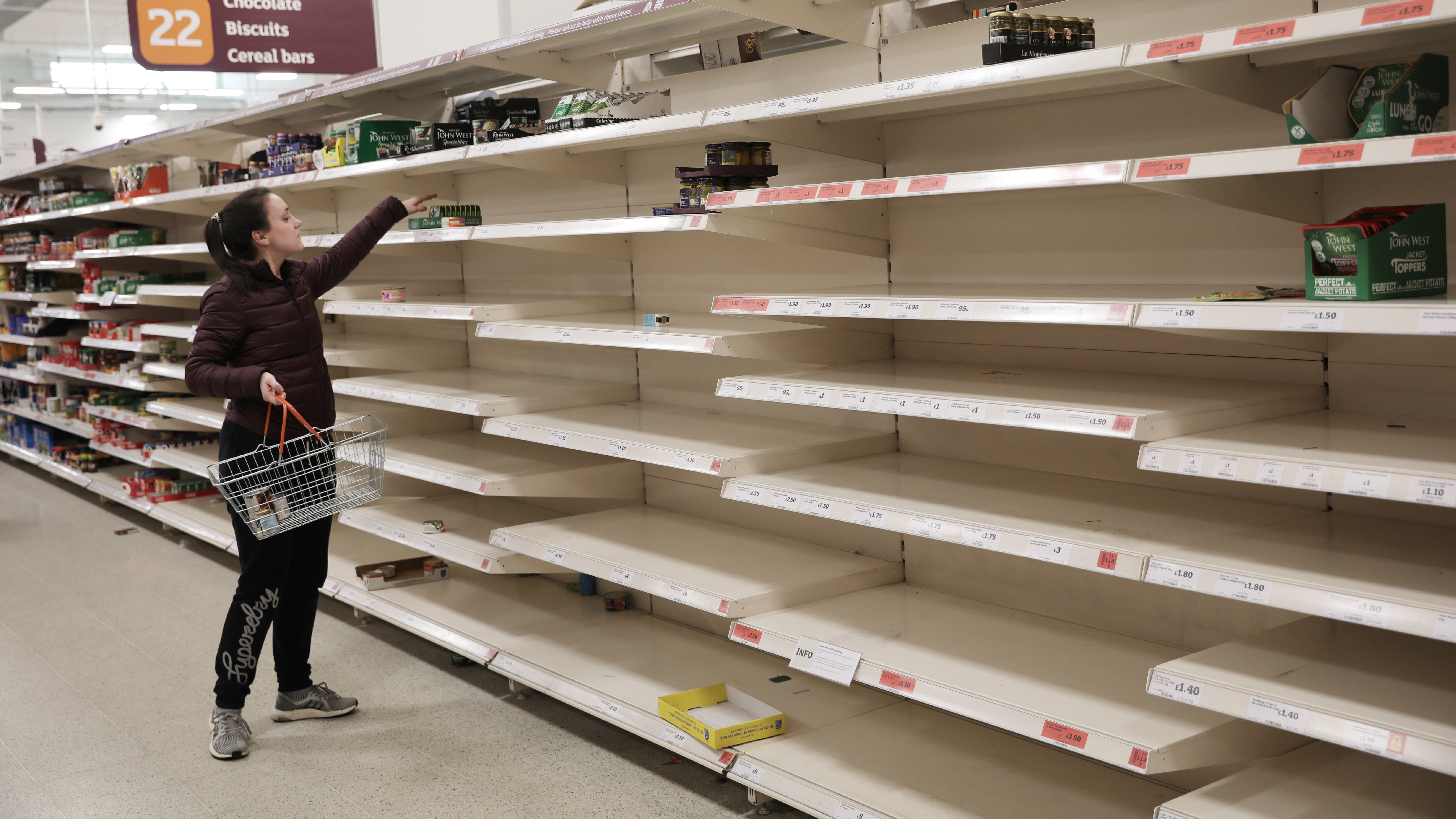 What To Expect When You're Grocery Shopping During The Coronavirus Shutdown