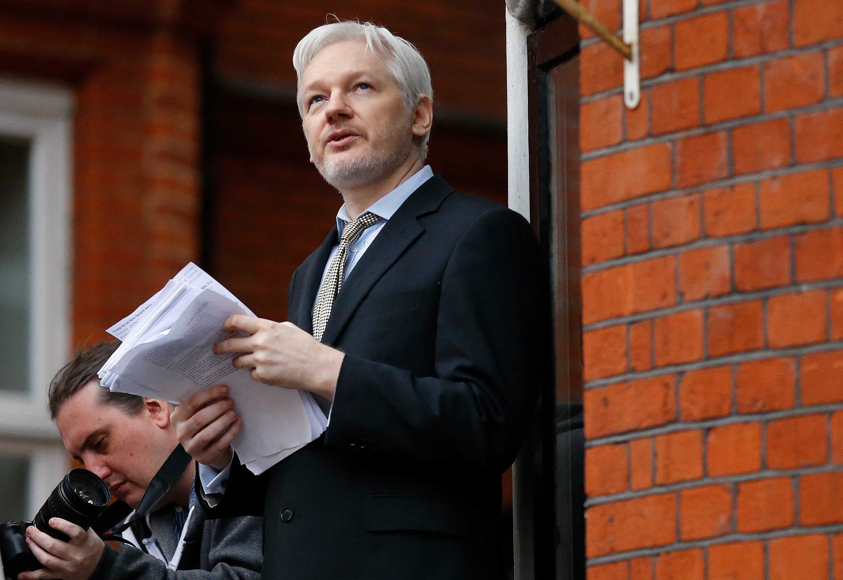 Ecuador Confirms It Has Cut Off Julian Assange's Internet Access