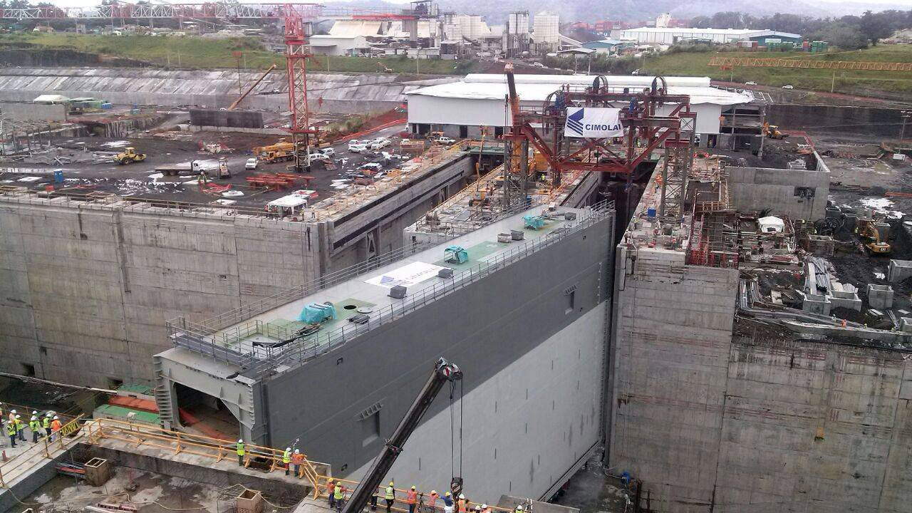 Awesome photos of the Panama Canal lock gates being installed
