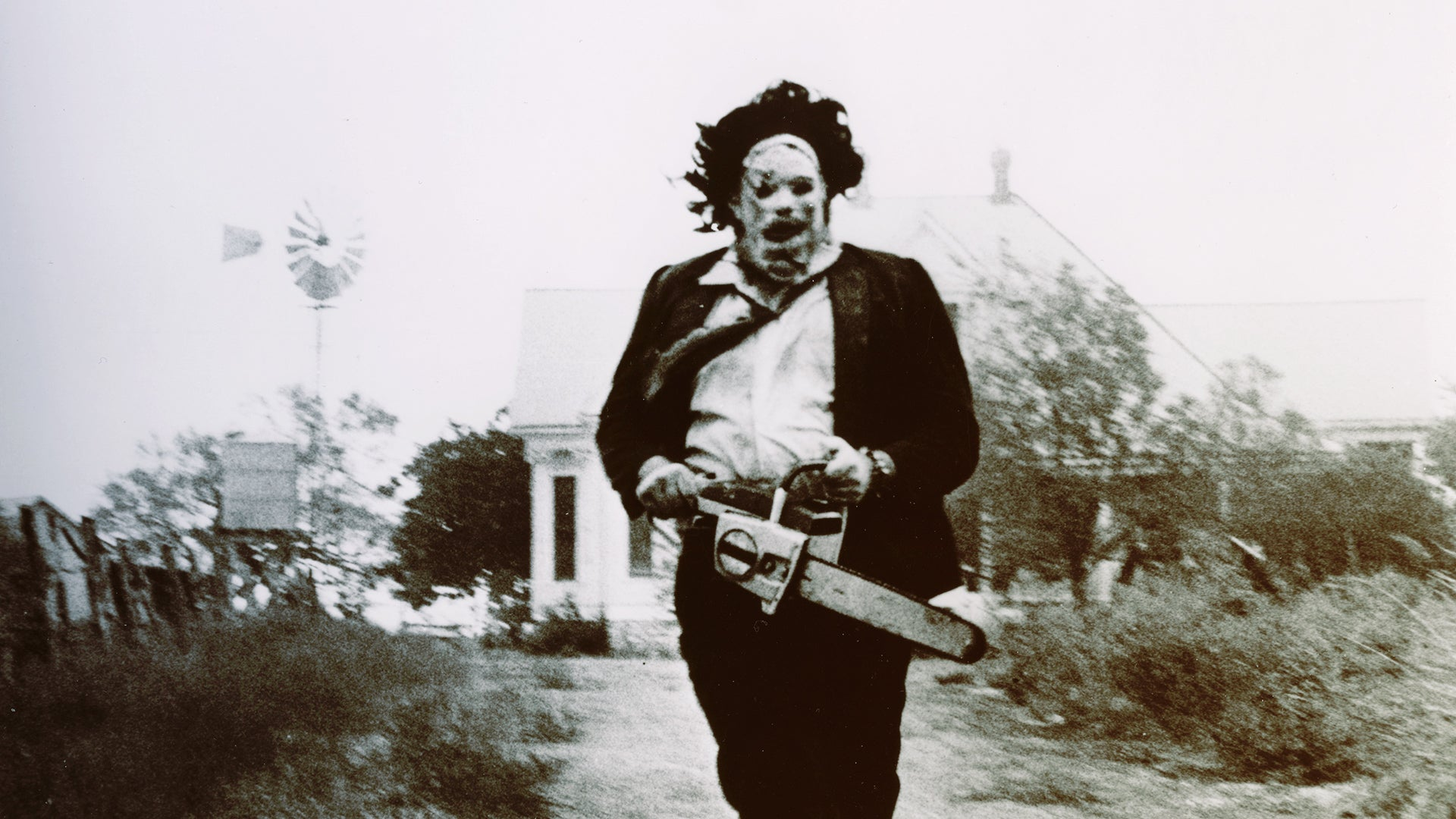These Texas Chain Saw Massacre Bloopers Are Delightfully Awkward