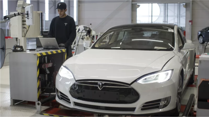 It Only Took Six Years, But Tesla Is No Longer Screwing Up Basic Software Licenses