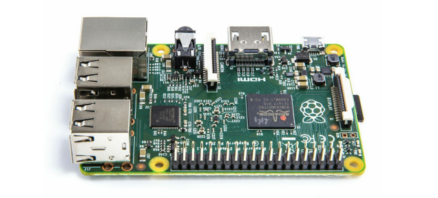 Raspberry Pi 2 Loses It When You Blast It With A Camera Flash
