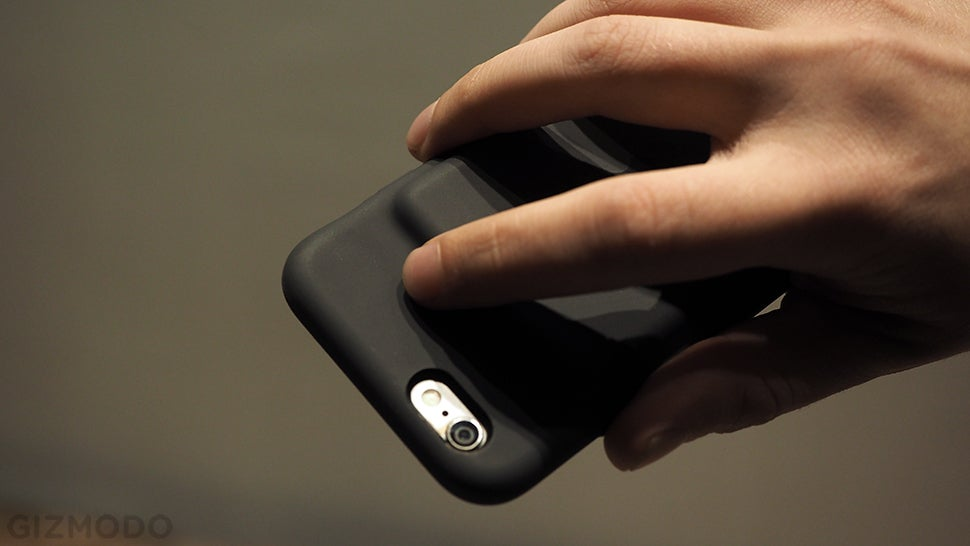 IPhone Smart Battery Case Review: I Can't Believe I Don't Hate It
