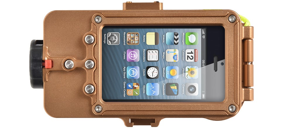 This Waterproof Case Lets You Dive With Your iPhone To 100m