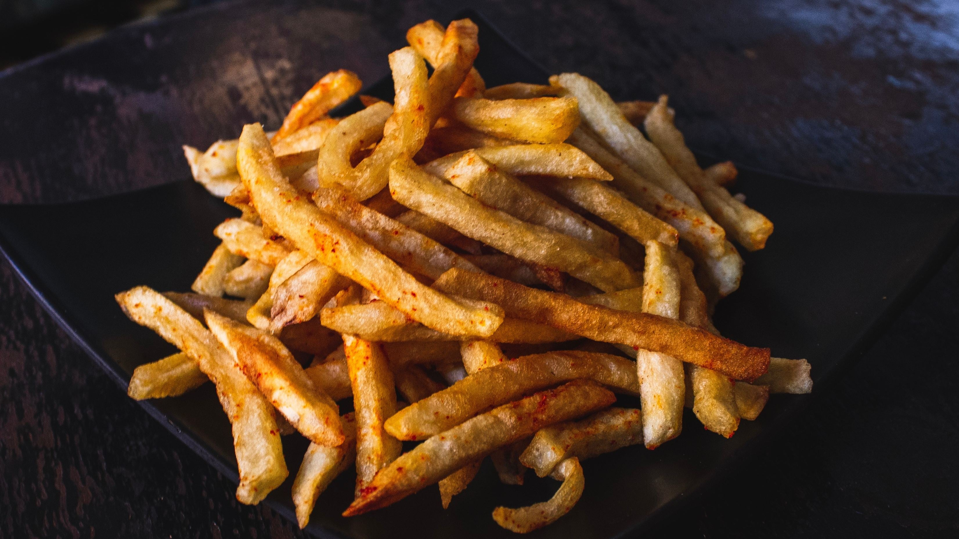 Sprinkle Instant Noodle Seasoning On French Fries