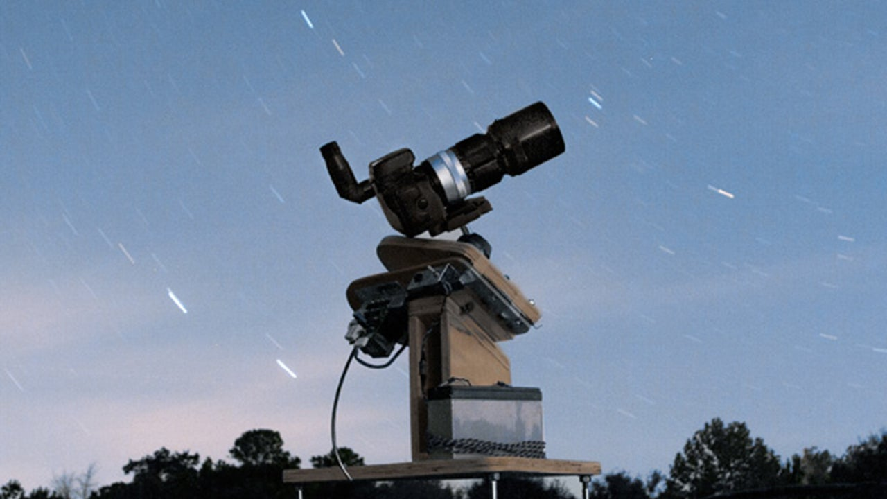 You Can Discover New Planets with a DSLR