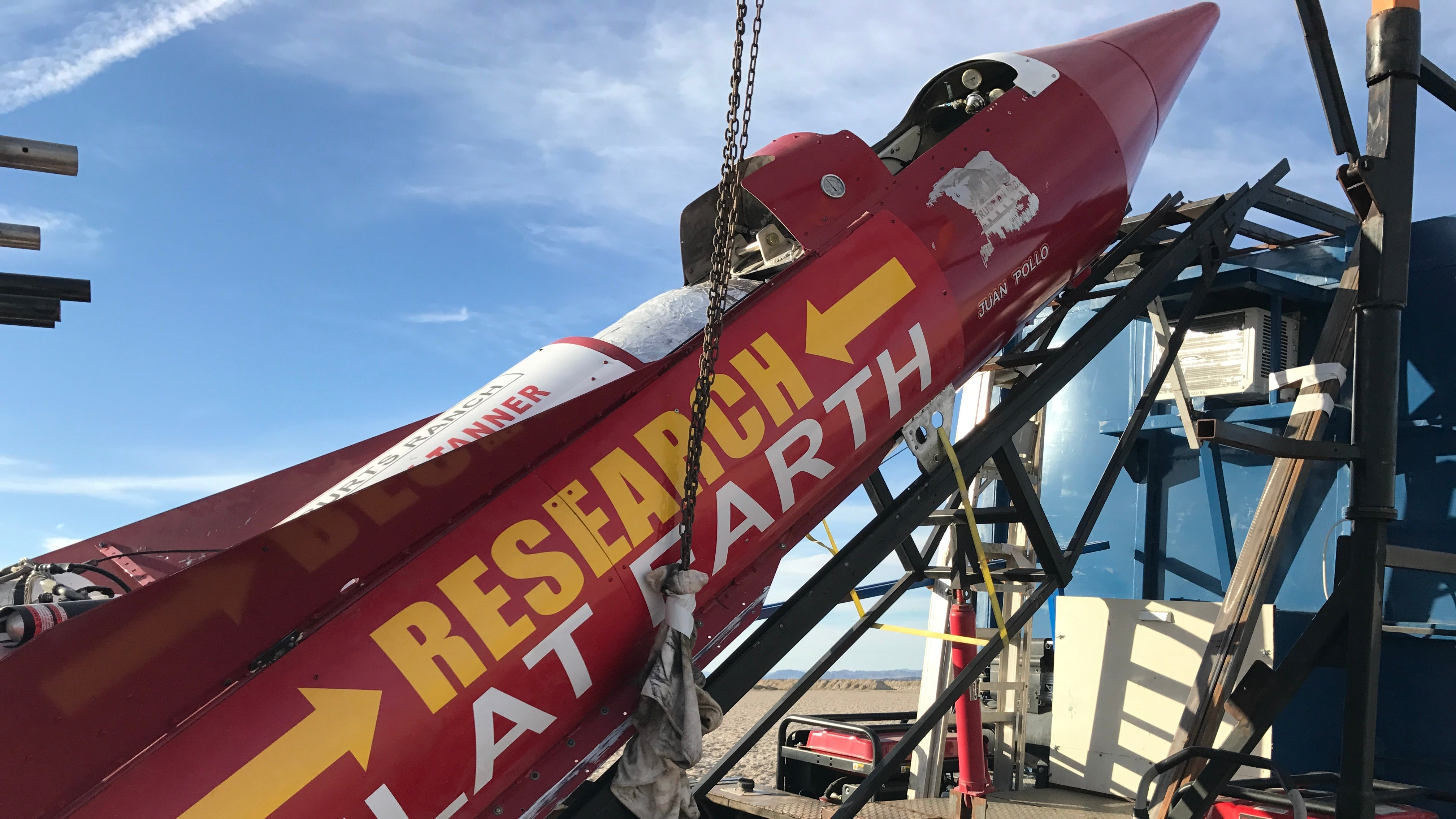 Flat Earth Rocketeer Once Again Fails To Launch Himself Into The Sky At 500 MPH
