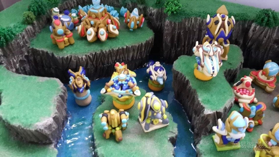 Fan-Made StarCraft 2 Diorama Is All Kinds of Cute