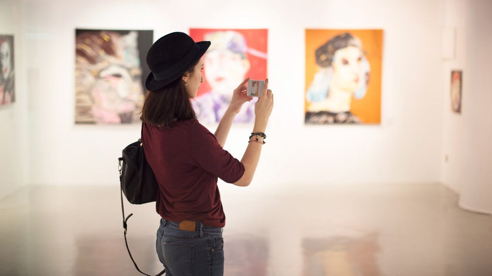 Turn Your Living Room Into An Art Museum With This iOS App