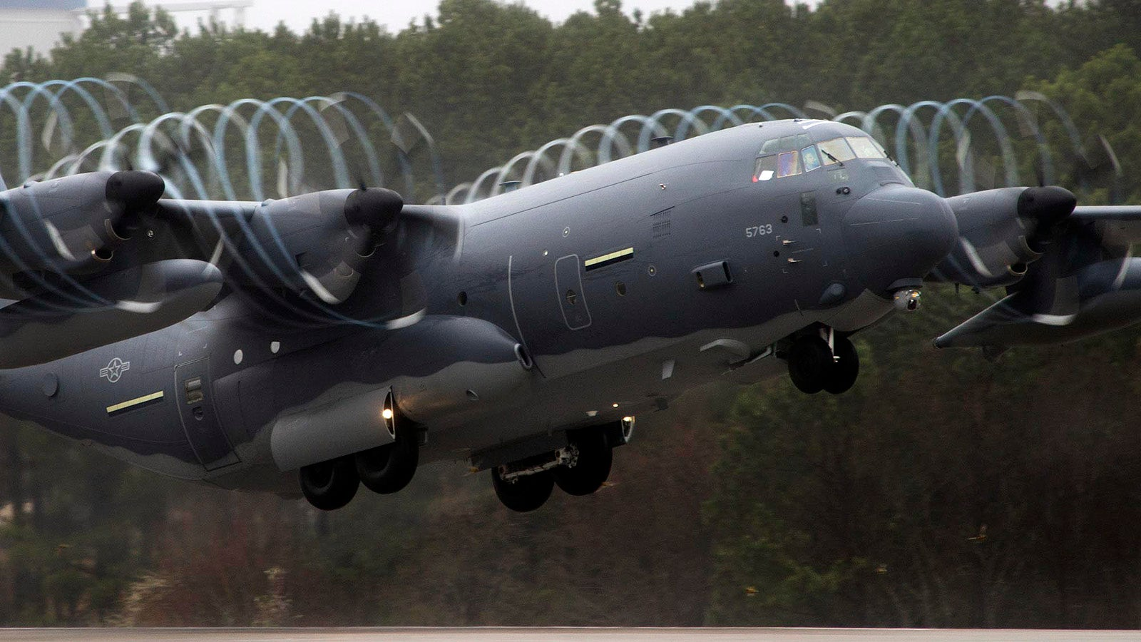 These Pretty Vortices Make This Super Hercules a Magical Aircraft