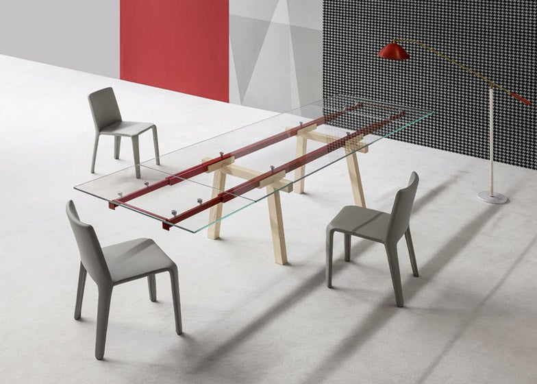 This Extending Table Puts Its Workings on Full Display