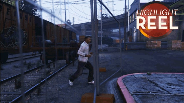 GTA V's Franklin Just Cannot Get Past A Fence