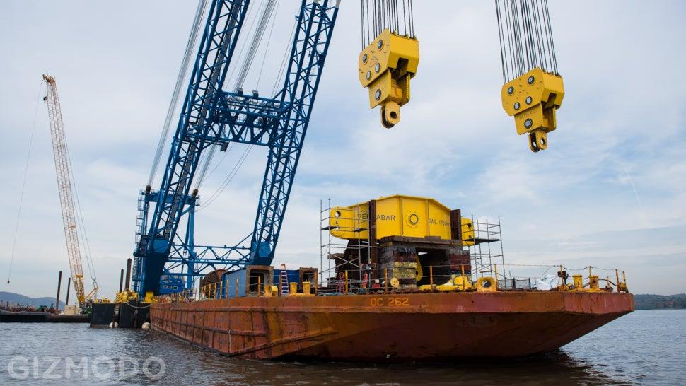 I Lift NY: Meet the Floating Super-Crane Building the Tappan Zee Bridge