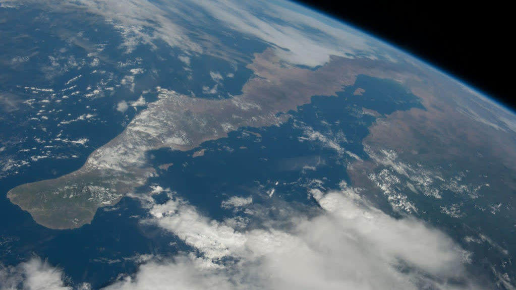 Evidence Of Arsenic-Breathing Microbial Life Found In Pacific Ocean