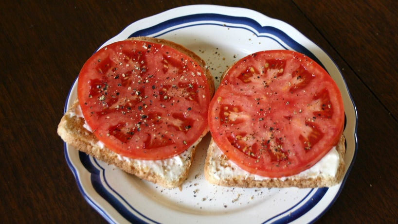 The Secret To Keeping Your Tomatoes Super Fresh