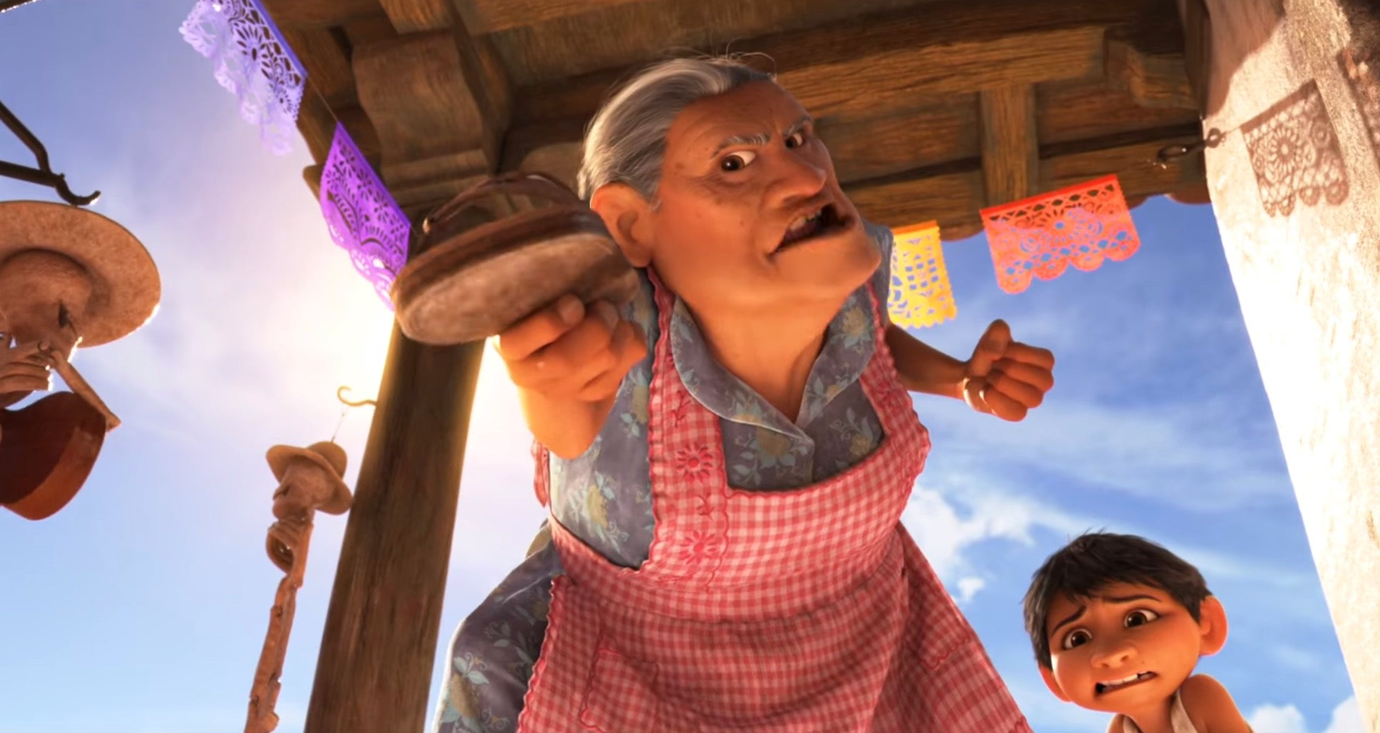 We love the badass grandma in pixar 39 s coco gizmodo australia for Imagenes de coco