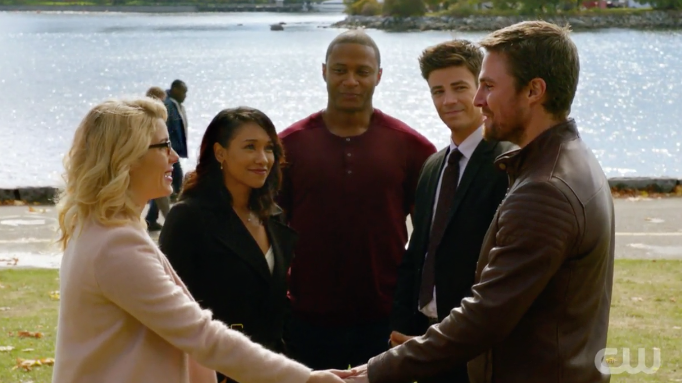Oliver Queen And Felicity Smoak Are Earth's Worst Wedding Guests