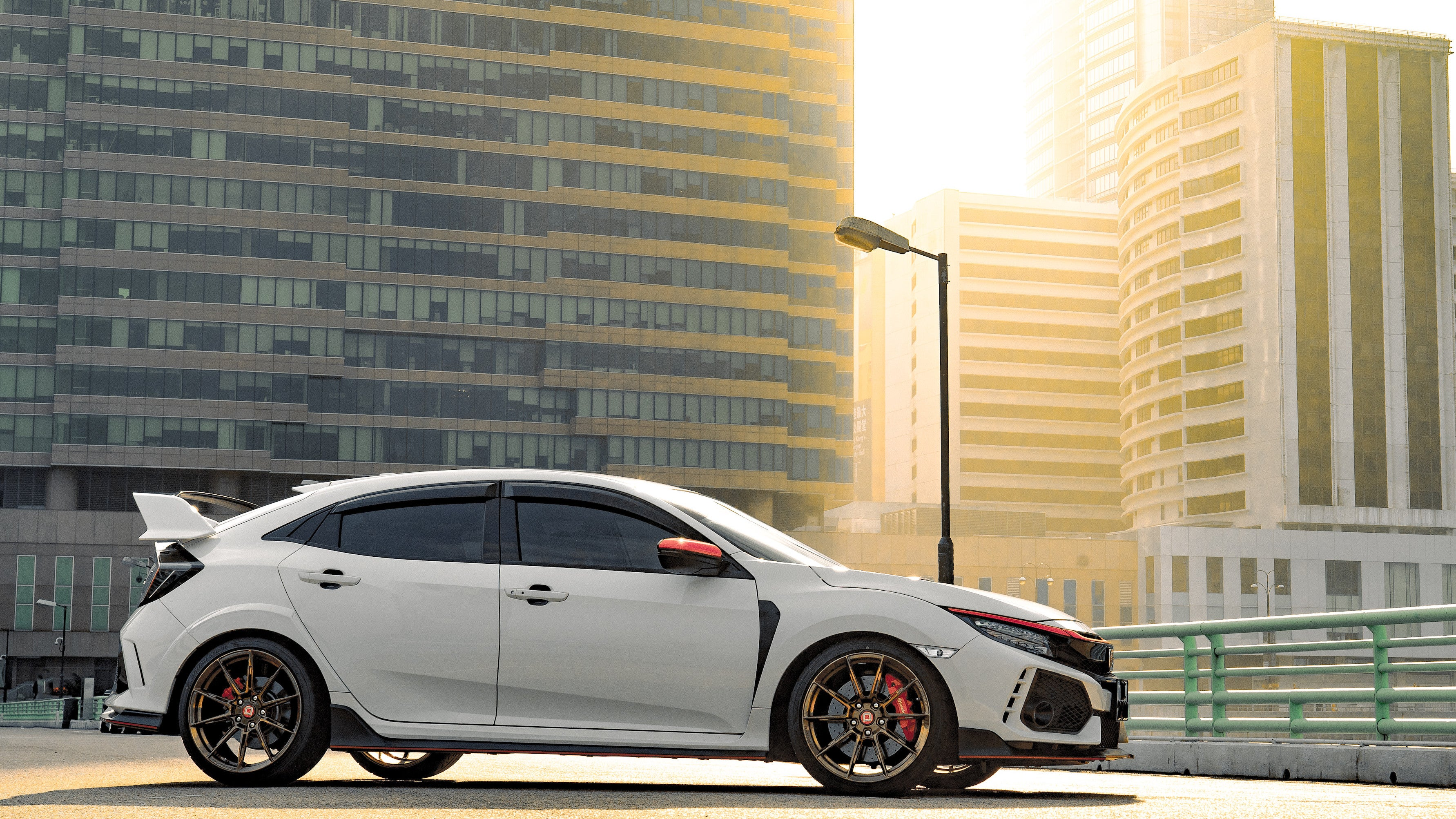 Your Ridiculously Awesome Sunny Honda Civic Type R Wallpaper Is Here