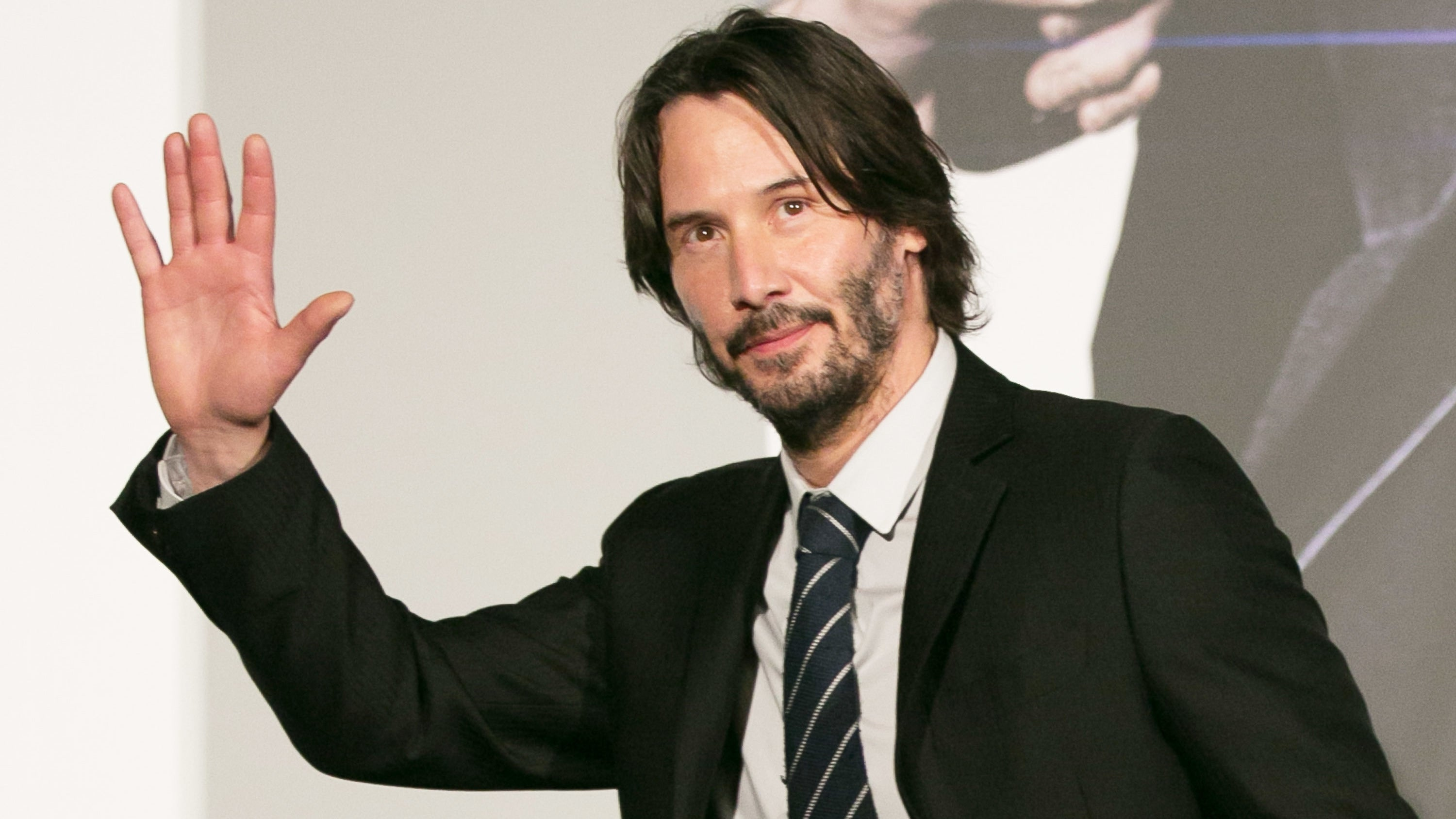 Netflix Is Eyeing Keanu Reeves To Star In Its New Superhero Movie From The Russo Brothers