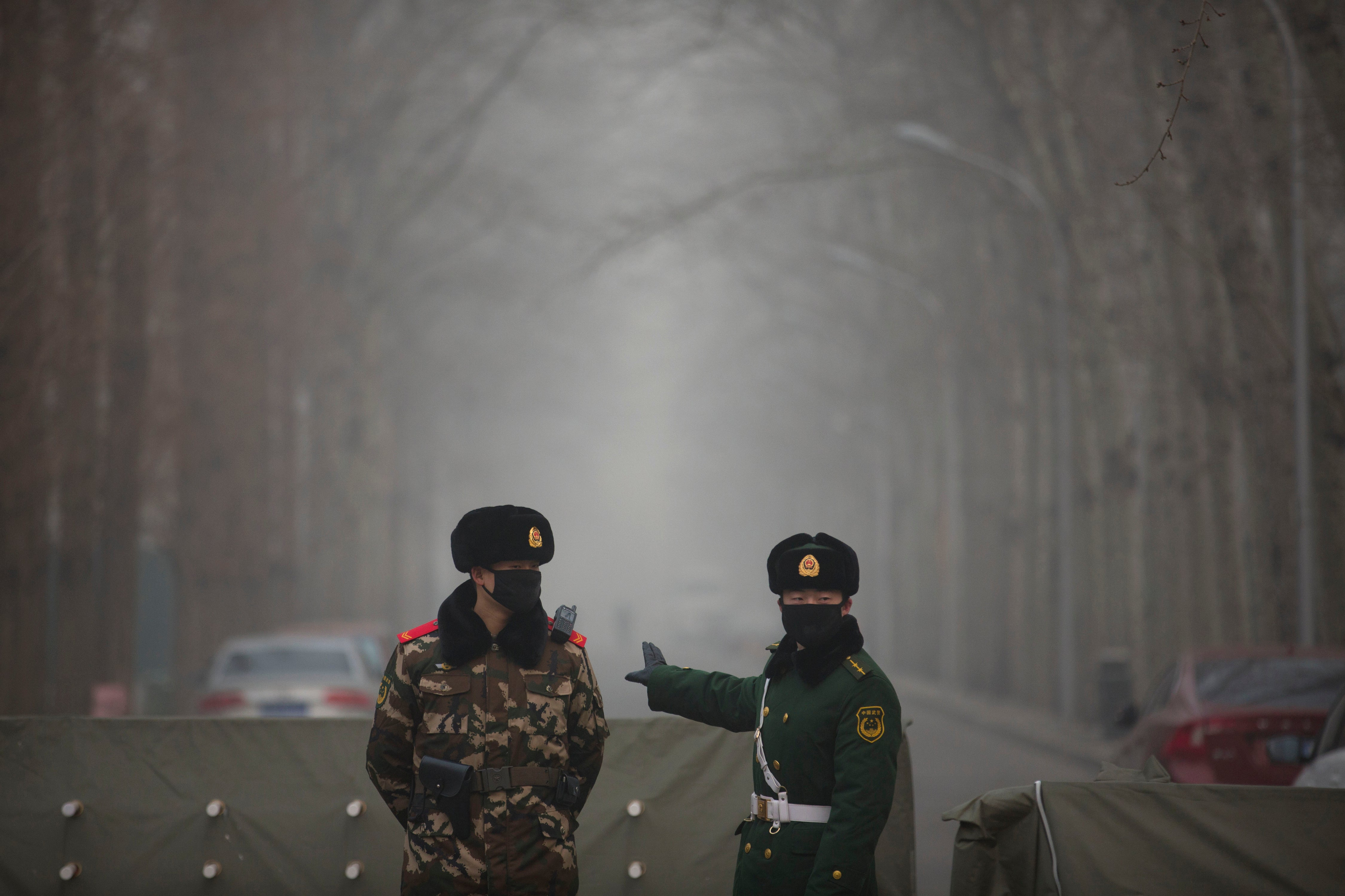 Terrifying Photos of Beijing's Toxic Smog 'White Christmas'