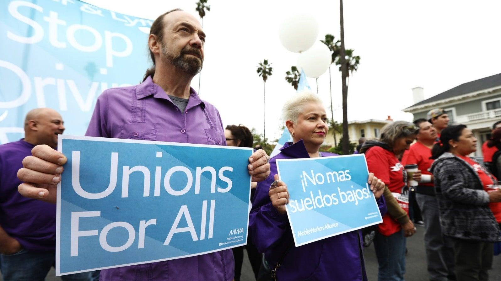 Uber And Lyft Drivers Strike Alongside Fast Food Workers In LA, Demand $30 Minimum Wage