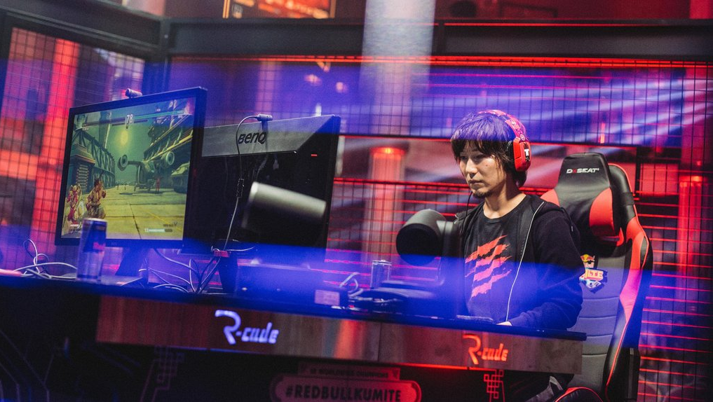 Daigo's New Controller Causes A Stir In The Fighting Game Community