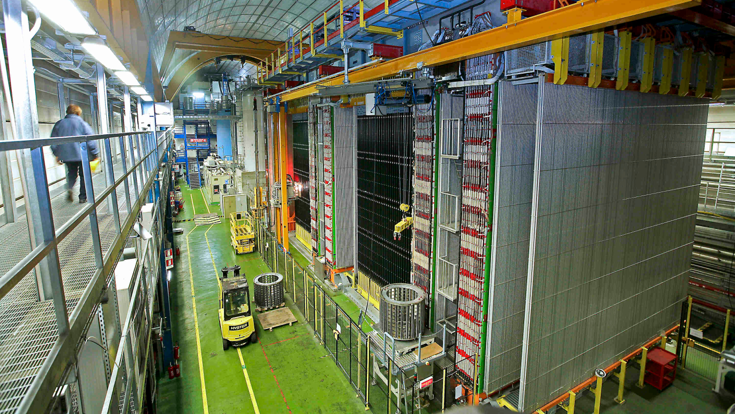 Shuttered Experiment Shares New View Of Ghostly Neutrino's Shape-Shifting Behaviour