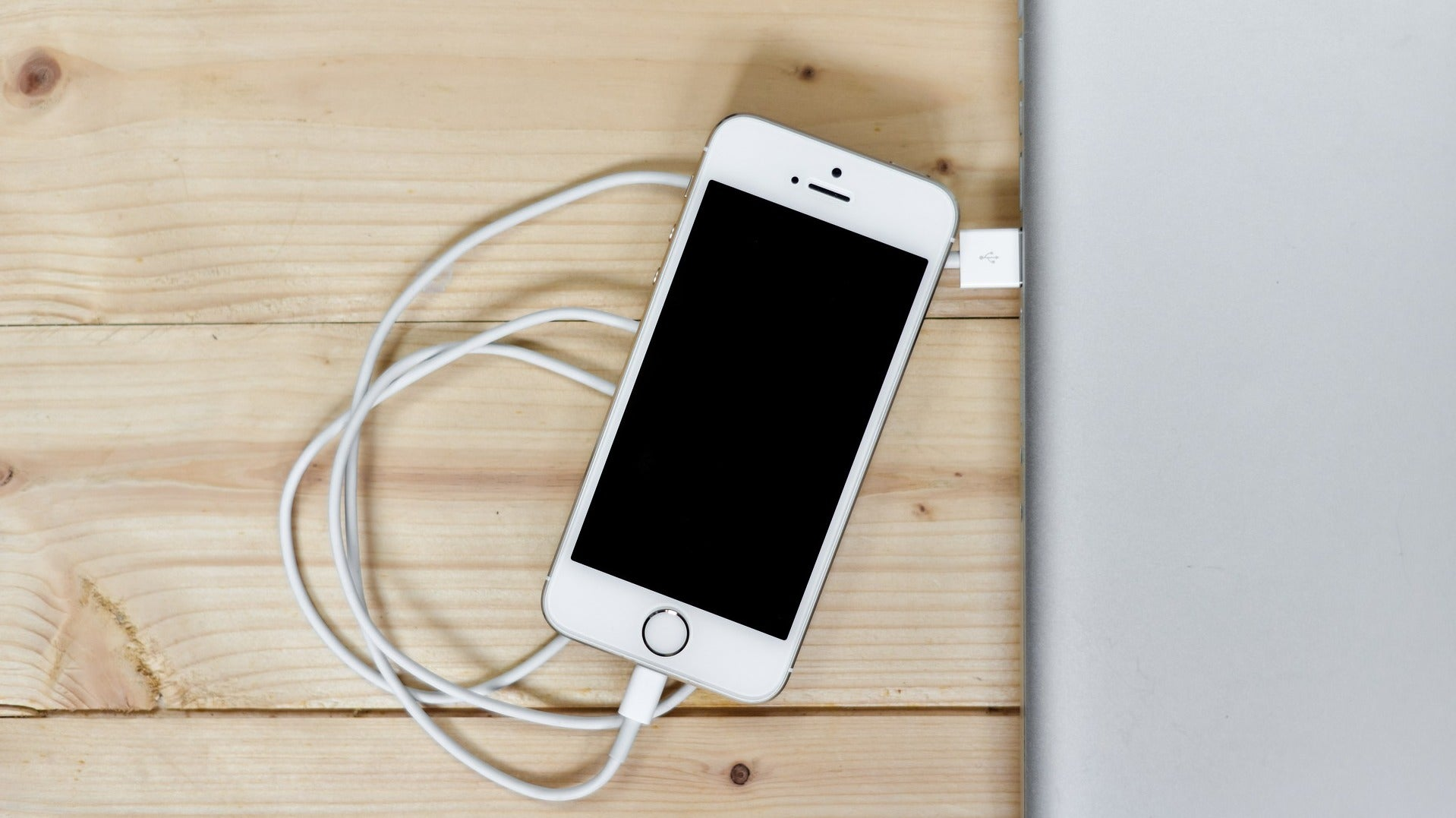 How To Fix Your IPhone XS Charging Problems