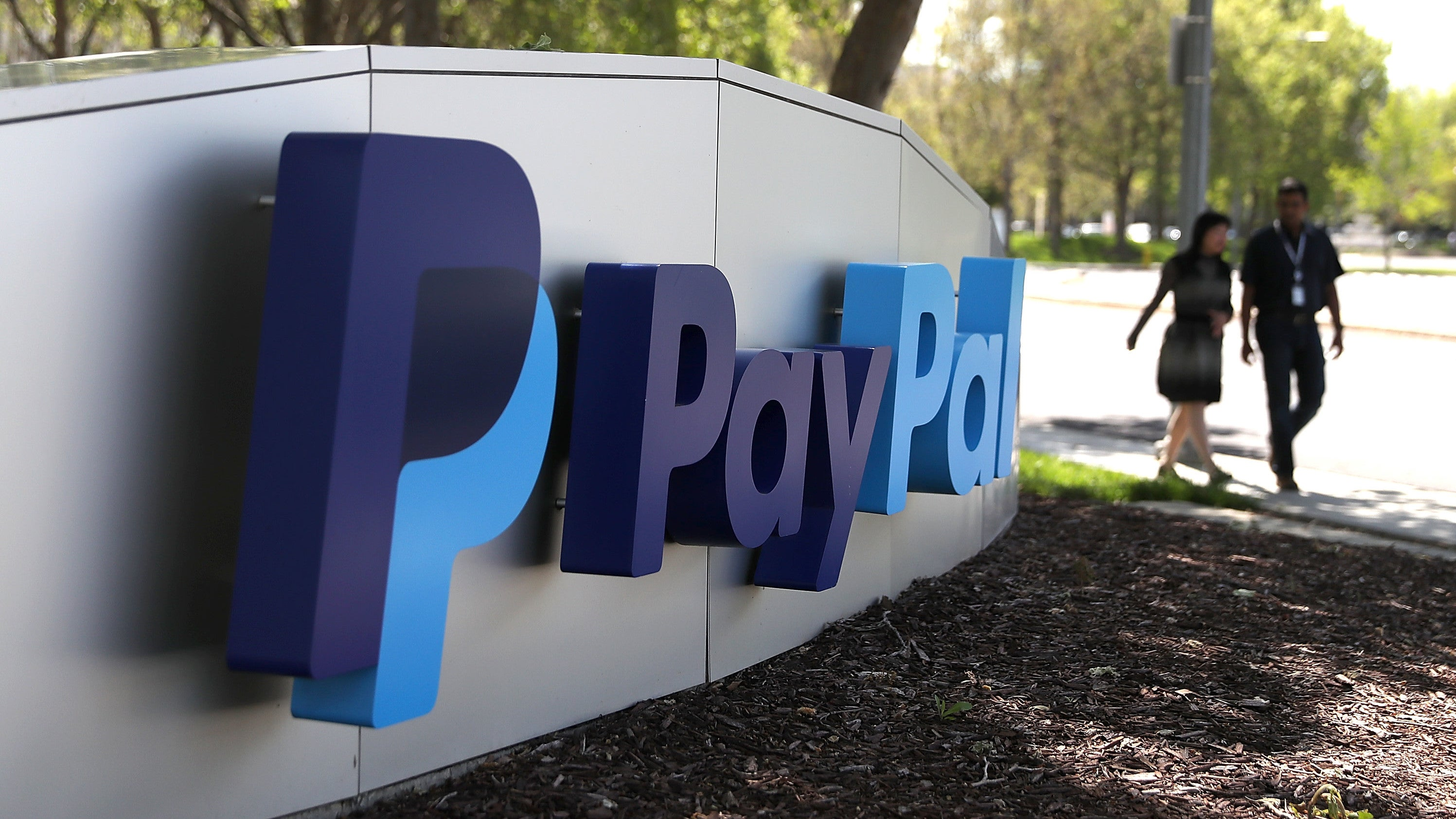 Ex-PayPal Employee Fights To Have Her Gender Discrimination Dispute Heard In Court