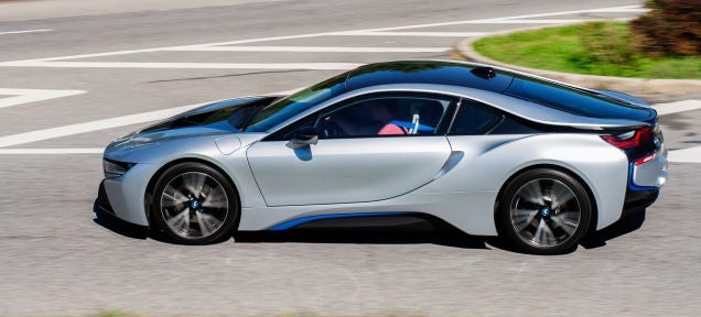 Bmw Is Developing Street Lights That Also Charge Your Electric Car