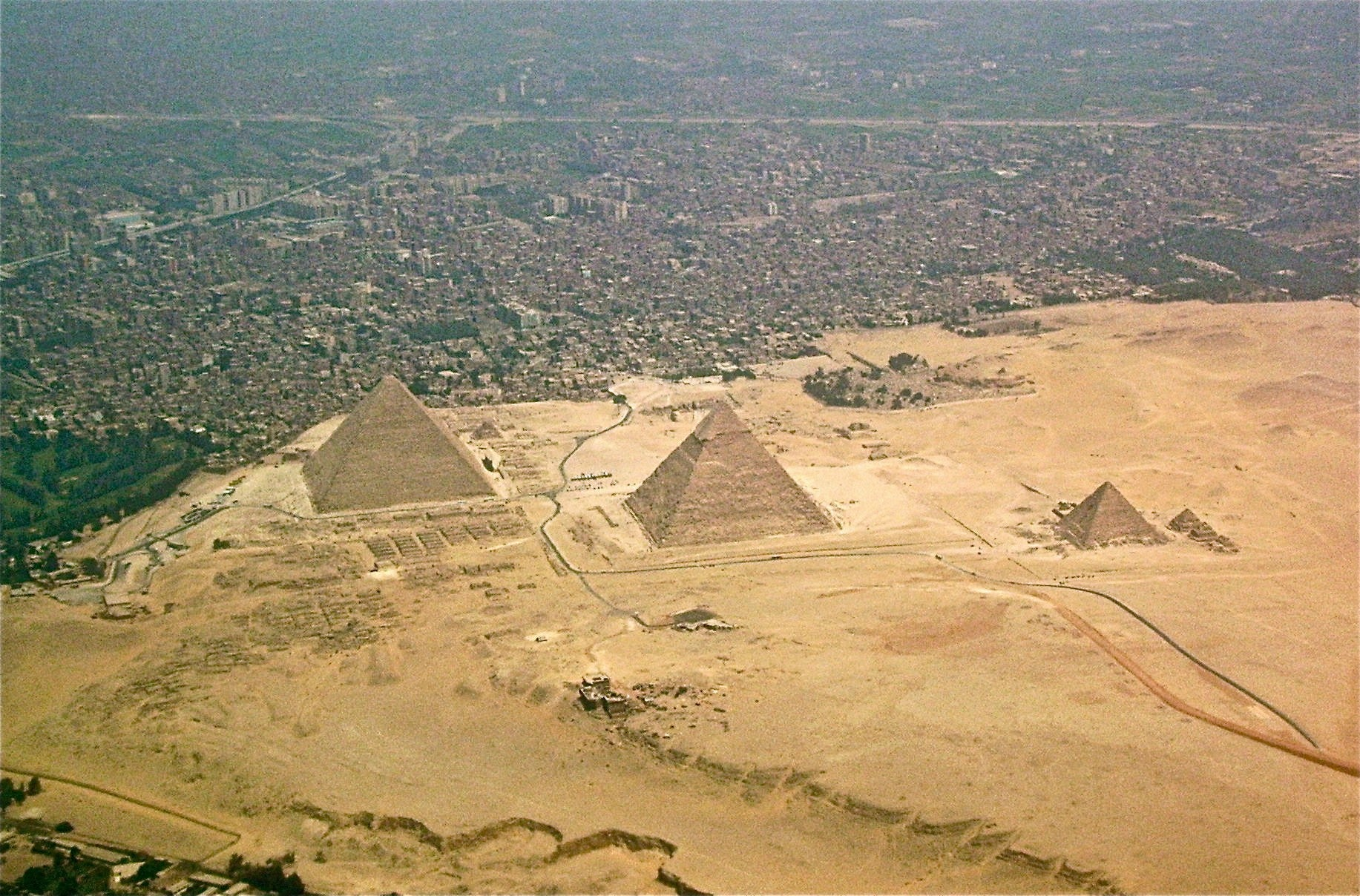 This is how the world's most iconic monuments look from far away