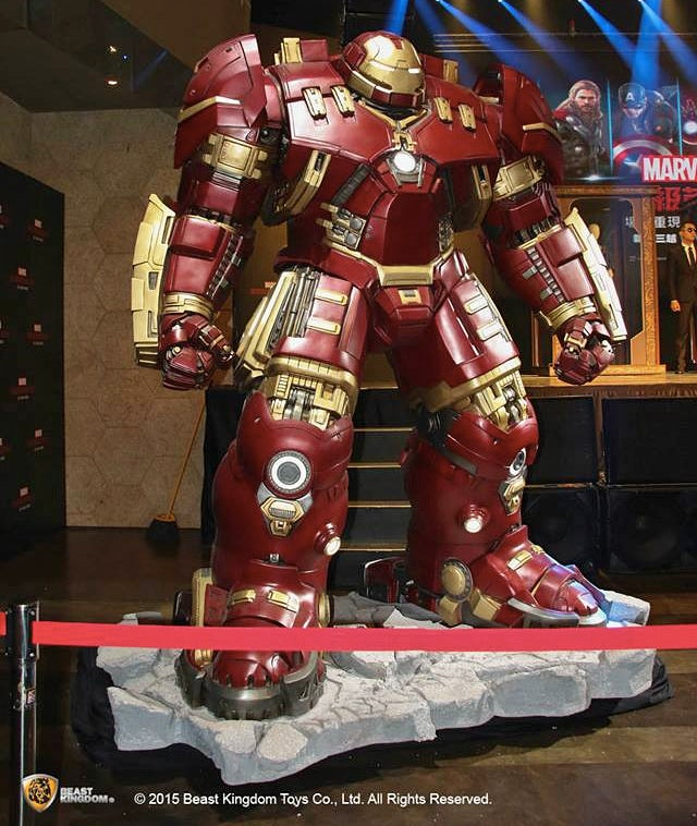 This Company Wants To Sell You a Life-Size Hulkbuster Statue For $US21,500