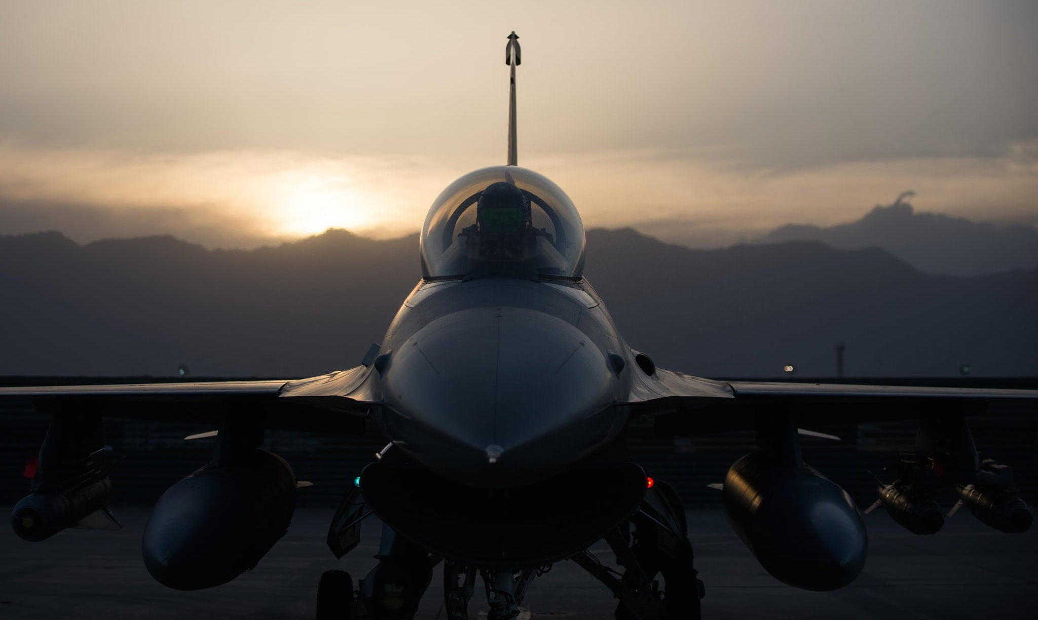 Intimidating head on view of an F-16