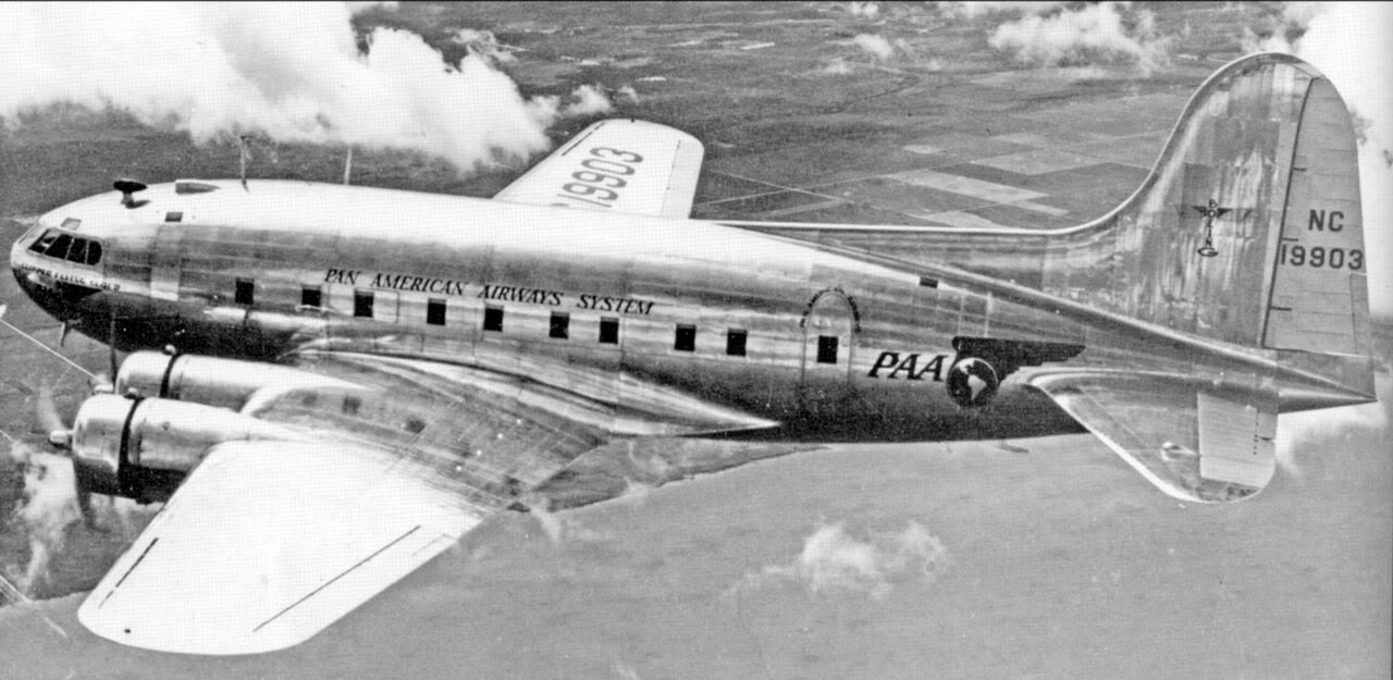 The Stratoliner Was the First Plane to Fly Above the Storm